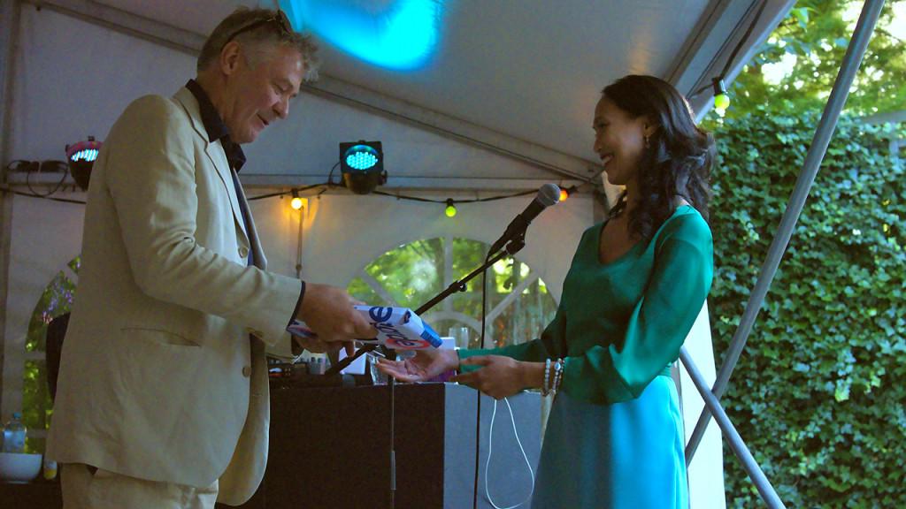 SKOR managing director Tati Freeke-Suwarganda hands The SKOR Codex to Tom van Gestel.