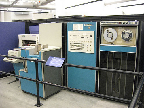Fig. 19: Xerox Sigma V mainframe computer. Source: https://ediebresler.wordpress.com/2011/09/09/long-live-the-e-book/